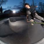 Ο Rowan Zorilla είναι πλέον pro skater και το γιορτάζει στις πίστες! (video)