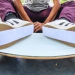Πως κάνεις skateboard εάν βάλεις velcro στα παπούτσια;!