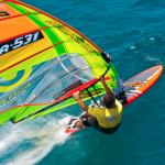 Εκπληκτικό windsurfing!