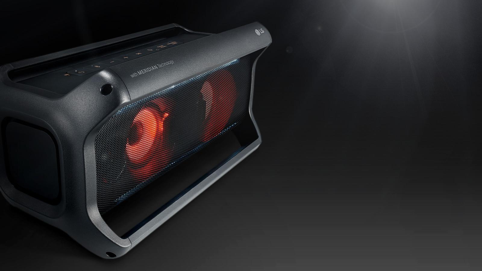 LG New Bluetooth Speakers PK7 (1)